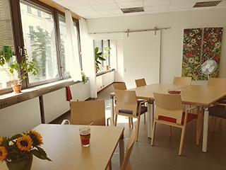 Betreuung von Demenzpatienten in München in unserer Tagespflege in unserem Gemeinschaftsraum